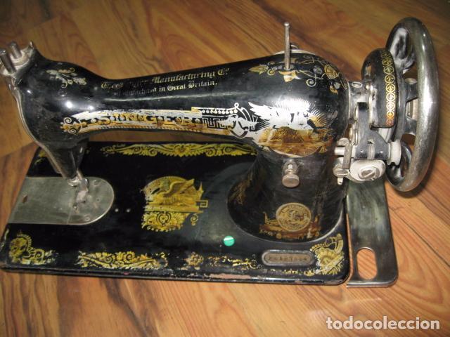 Antigüedades: Máquina de coser Singer, encastrada en mueble de formica. Medida mueble: 41 x 57,5 x 80 cms. altura. - Foto 6 - 39912591