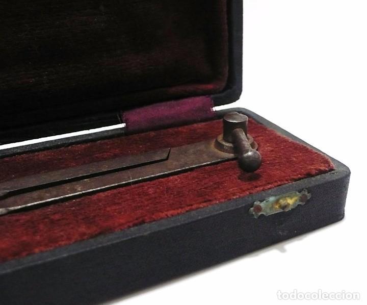 Antigüedades: Antiguo compás de proporciones en hierro forjado con estuche original - S.XIX - Foto 2 - 79251225