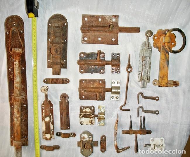 LOTE CERROJOS Y PESTILLOS (Antigüedades - Técnicas - Cerrajería y Forja - Pestillos Antiguos)