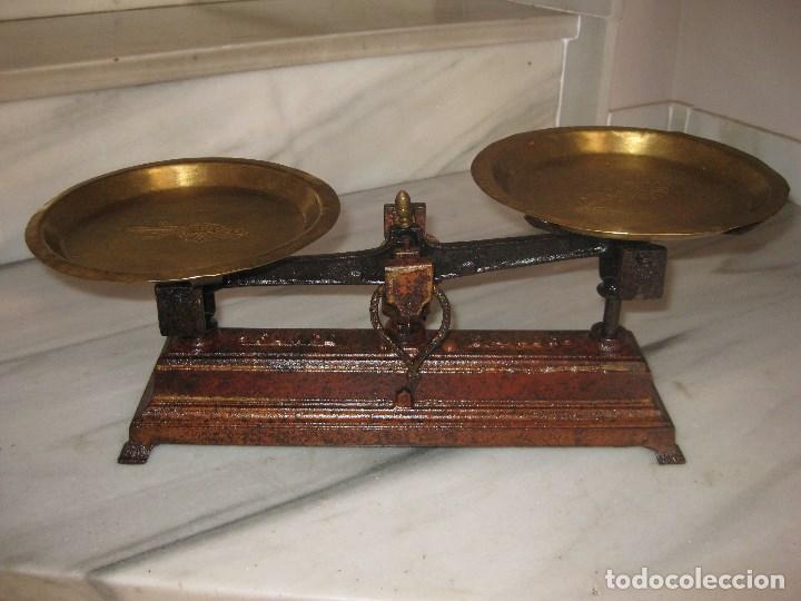 BÁSCULA ANTIGUA CON PLATOS DE LATÓN (Antigüedades - Técnicas - Medidas de Peso - Básculas Antiguas)