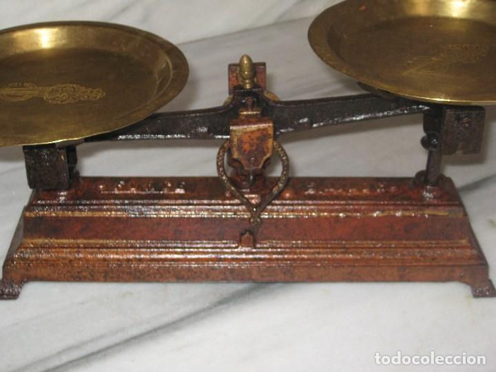 Antigüedades: Báscula antigua con platos de latón - Foto 3 - 79861337