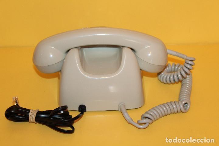 Teléfonos: TELEFONO ANTIGUO COLOR GRIS - AÑOS 70 FUNCIONA PERFECTAMENTE - Foto 3 - 146616409