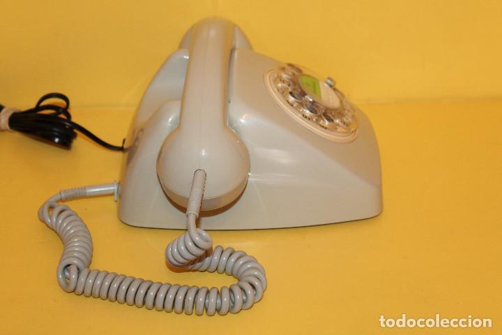 Teléfonos: TELEFONO ANTIGUO COLOR GRIS - AÑOS 70 FUNCIONA PERFECTAMENTE - Foto 4 - 146616409