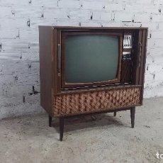 Antigüedades: BOTITA TELEVISIÓN ANTIGUA DE VALVULAS, MUEBLE DE PUERTAS CORREDERAS, IDEAL PARA ADORNAR ESCAPARATE. Lote 80304625