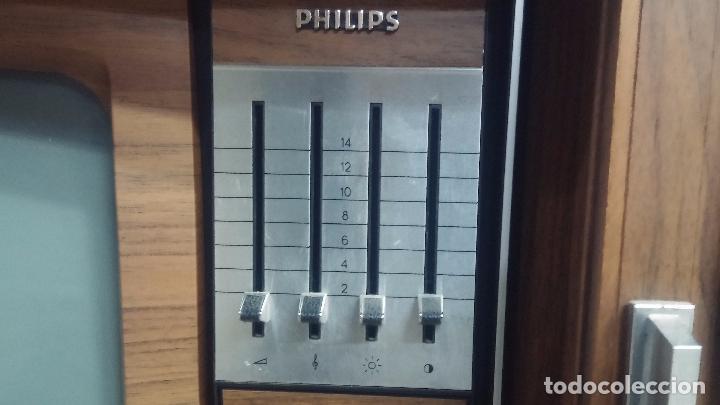 Antigüedades: Botita televisión antigua de valvulas, mueble de puertas correderas, ideal para adornar escaparate - Foto 6 - 80304625