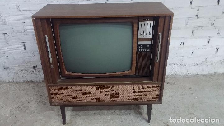 Antigüedades: Botita televisión antigua de valvulas, mueble de puertas correderas, ideal para adornar escaparate - Foto 9 - 80304625