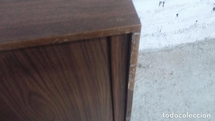 Antigüedades: Botita televisión antigua de valvulas, mueble de puertas correderas, ideal para adornar escaparate - Foto 15 - 80304625