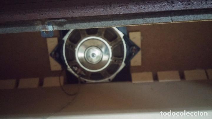 Antigüedades: Botita televisión antigua de valvulas, mueble de puertas correderas, ideal para adornar escaparate - Foto 35 - 80304625