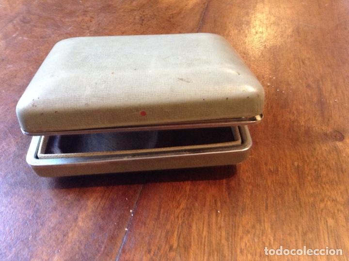 Antigüedades: Maquinilla afeitar eléctrica Braun y regalo - Foto 4 - 70247437