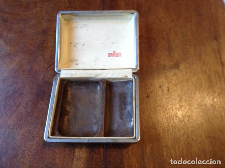 Antigüedades: Maquinilla afeitar eléctrica Braun y regalo - Foto 5 - 70247437