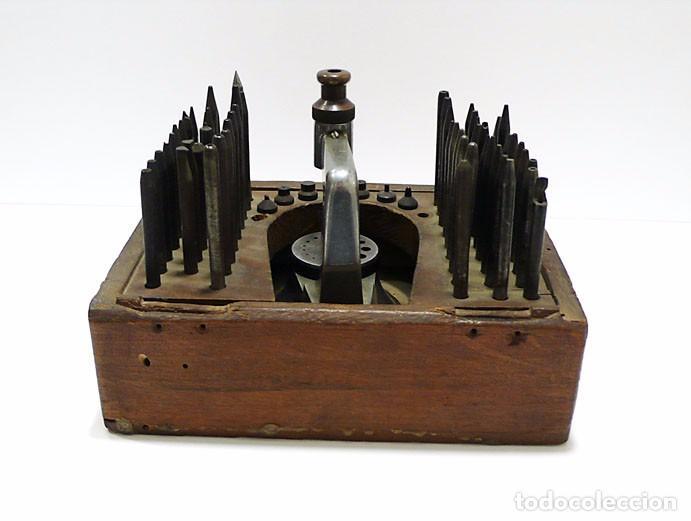 Antigüedades: Herramientas de precisión banquillo de relojero o joyero - C.1900 - Foto 4 - 80972016
