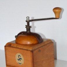 Antigüedades: MOLINILLO DE CAFÉ MARCA WSM KLINGENTHAL. -ANTIGUA ALEMANIA DEL ESTE- CA. 1950.. Lote 81247084