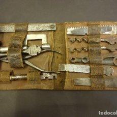 Antigüedades: MUY ANTIGUO SET O ESTUCHE EN PIEL DE HERRAMIENTAS BONSA. VER FOTOS. . Lote 109535062