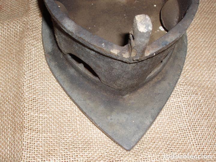 Antigüedades: GIGANTESCA PLANCHA DE CARBON HIERRO FUNDIDO. 28 CM LARGO x 23 CM ALTURA - Foto 5 - 81922184