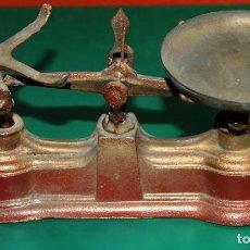 Antigüedades: ANTIGUA BALANZA DE PEQUEÑO TAMAÑO. Lote 82018840
