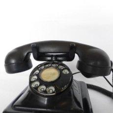 Teléfonos: ANTIGUO TELÉFONO DE SOBREMESA EN HIERRO Y BAQUELITA - ORIGINAL AÑOS 20 Ó 30. Lote 82125752