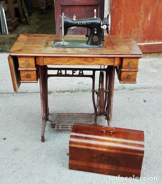 MÁQUINA DE COSER ALFA AÑOS 50-60 (Antigüedades - Técnicas - Máquinas de Coser Antiguas - Alfa)