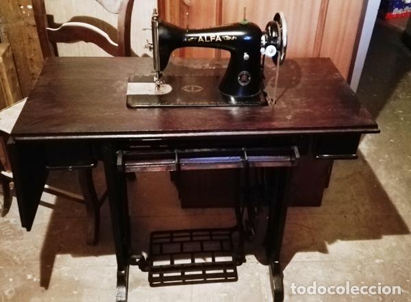 MÁQUINA DE COSER ALFA AÑOS 60 (Antigüedades - Técnicas - Máquinas de Coser Antiguas - Alfa)