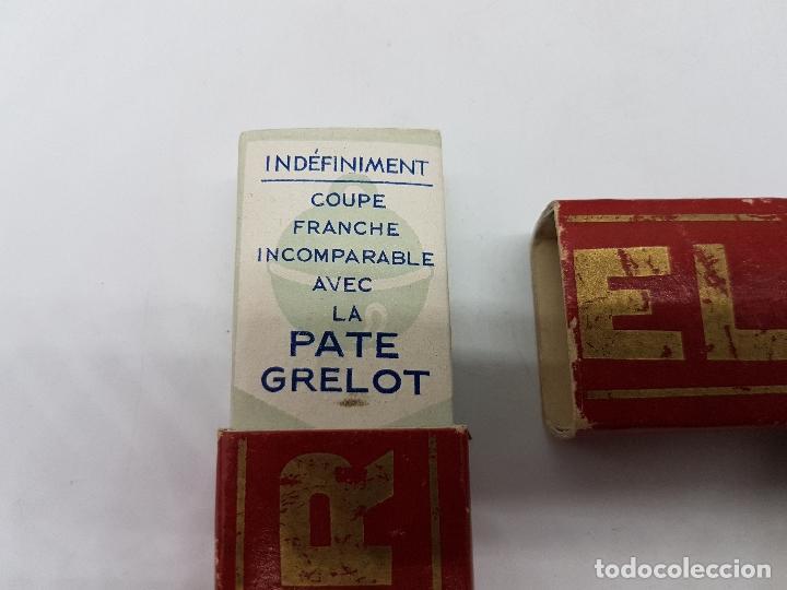 Antigüedades: Navaja de afeitar antigua francesa en su caja pone grelot en buen estado de conservación. - Foto 2 - 82417632