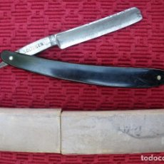 Antigüedades: NAVAJA DE AFEITAR DE NICOLAS GESSE PROVEEDOR DE LA CASA REAL, SOLINGEN.. Lote 82728448