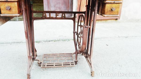 Antigüedades: Máquina de coser Alfa años 50-60 - Foto 4 - 82394703