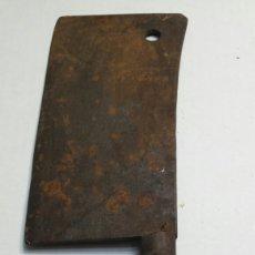 Antigüedades: HACHA MUY ANTIGUA DE CARNICERO AÑOS 40. Lote 82772027