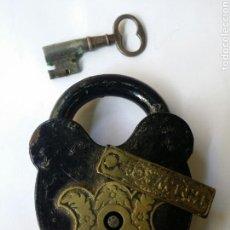 Antigüedades: ANTIGUO CANDADO INGLÉS FUNCIONANDO CON SU LLAVE ORIGINAL. Lote 83300619