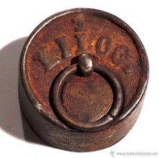 Antigüedades: PESA PONDERA DE HIERRO 1 KILO. Lote 83332004