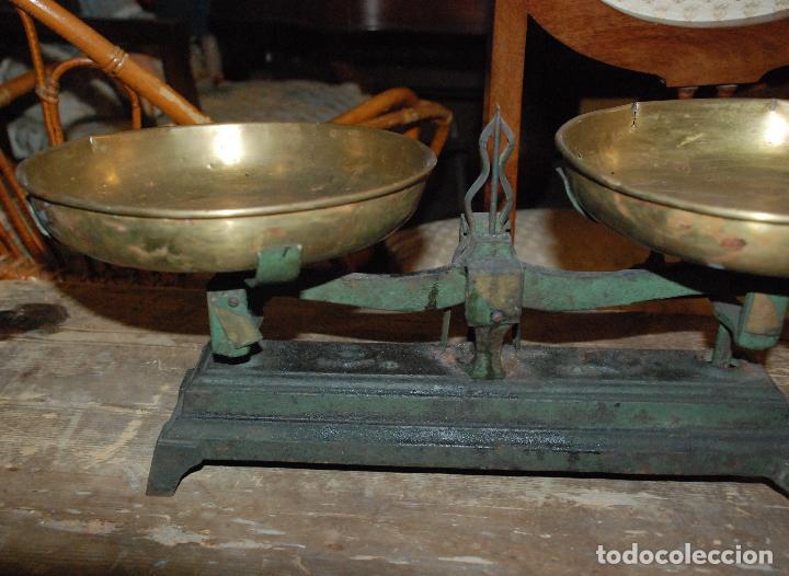 Antigüedades: ANTIGUA BALANZA DE HIERRO COLOR VERDE CON JUEGO DE PESAS - Foto 7 - 83796232