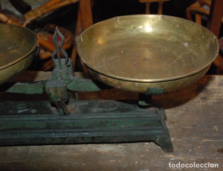 Antigüedades: ANTIGUA BALANZA DE HIERRO COLOR VERDE CON JUEGO DE PESAS - Foto 8 - 83796232