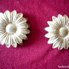 Antigüedades: PAREJA DE APLIQUES DE BRONCE DORADO. Lote 83860684