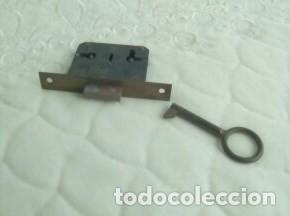 Antigüedades: CERRADURA CON LLAVE ANTIGUA-Años 60/70 - Foto 7 - 83887068