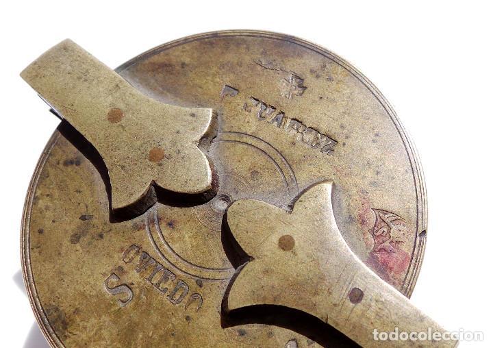 Antigüedades: PONDERALES DE BRONCE P. JUAREZ OVIEDO -SELLOS CRUZ -VASOS ANIDADOS PARA PESAR ORO - SIGLO XVII-XVIII - Foto 5 - 83909240