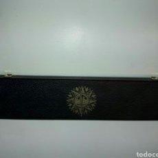 Antigüedades: REGLA PARALELA DE PLASTICO Y LATÓN NIQUELADO (61X8CM APROX). Lote 83915678