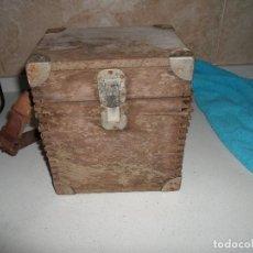 Antigüedades: CAJA DE MADERA ANTIGUA , PARA ELECTRICIDAD. Lote 84155416