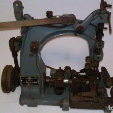 Antigüedades: MAQUINA DE COSER INDUSTRIAL ANTIGUA . Lote 84156420