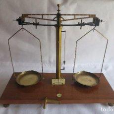 Antigüedades: BALANZA DE PRECISION BECKER 1926. Lote 84202012