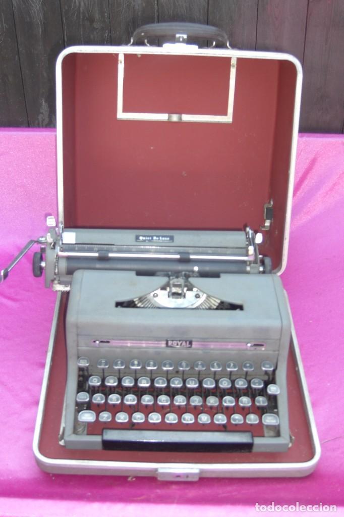 ANTIGUA MAQUINA DE ESCRIBIR ROYAL QUIET DE LUXE PORTATIL (Antigüedades - Técnicas - Máquinas de Escribir Antiguas - Royal)
