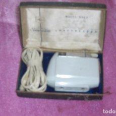 Antigüedades: MÁQUINA DE AFEITAR SUNBEAM MULTI-VOLT 555 SHAVEMASTERS AÑOS 50-60. Lote 84579668