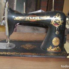 Antigüedades: MAQUINA DE COSER ALFA DE 1930. Lote 84637560