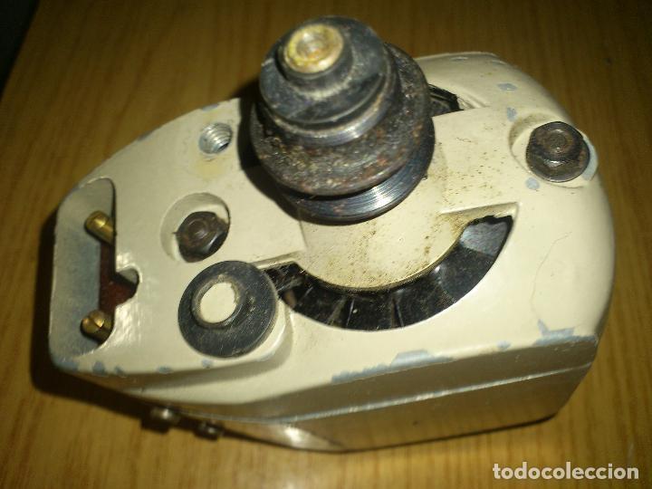 MOTOR MAQUINA DE COSER FUNCIONA 110V/220V (Antigüedades - Técnicas - Máquinas de Coser Antiguas - Complementos)