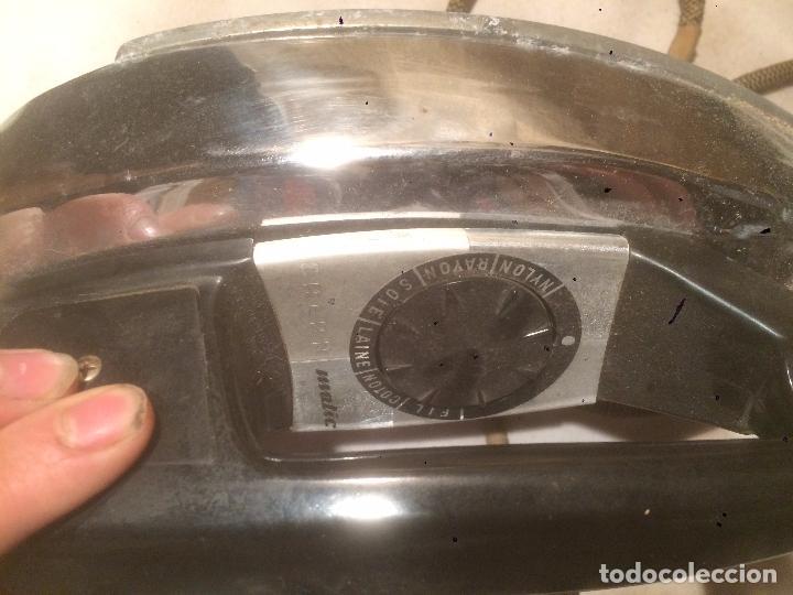 Antigüedades: Antigua plancha eléctrica marca Matic Plume años 60 en caja original - Foto 6 - 85253944