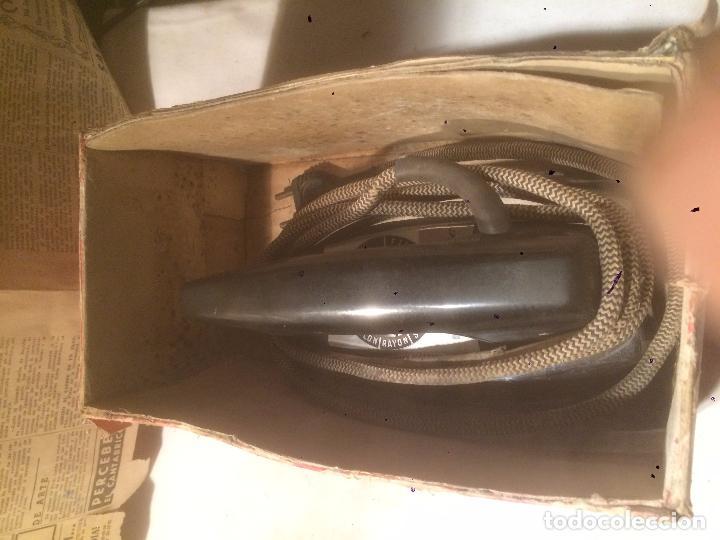 Antigüedades: Antigua plancha eléctrica marca Matic Plume años 60 en caja original - Foto 16 - 85253944
