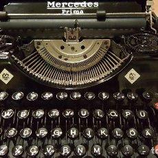 Antigüedades: MÁQUINA DE ESCRIBIR MERCEDES FUNCIONANDO. Lote 85330308