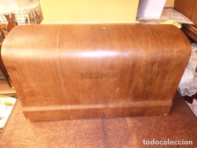 ANTIGUA TAPADERA DE MAQUINA DE COSER SIGMA (Antigüedades - Técnicas - Máquinas de Coser Antiguas - Sigma)