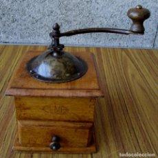 Antigüedades: MOLINILLO CAFÉ ELMA DE MADERA Y HIERRO ESTA RESTAURADA. Lote 86457868