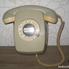 Teléfonos: ANTIGUO TELÉFONO DE PARED COLOR HELADO AÑOS 60 BUEN ESTADO. Lote 86499696