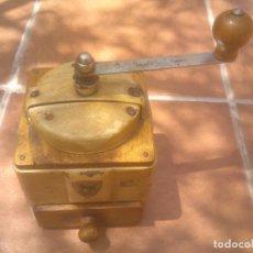 Antigüedades: MOLINILLO DE CAFÉ PEUGEOT FRÈRES, MODELO LAQUÉ. CA. 1950. Lote 86519080