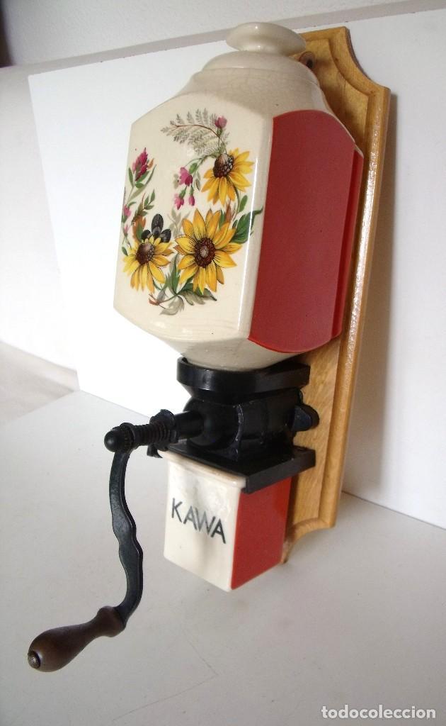 Antigüedades: MOLINILLO DE CAFÉ MURAL, DECORACIÓN FLORAL. MARCA KAWA. POLONIA. 1950/60 - Foto 3 - 86720220