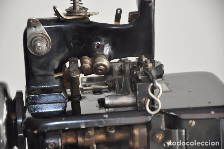 Antigüedades: ANTIGUA Y RARA MAQUINA DE COSER - VIRGINIO RIMOLDI - STELLA ZB - MACHINE SEWING - Foto 2 - 86815940